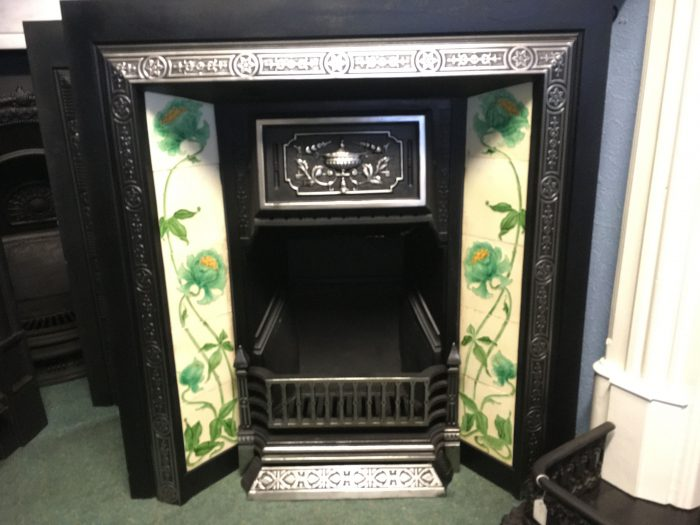 Highlighted Victorian Tiled Insert Front