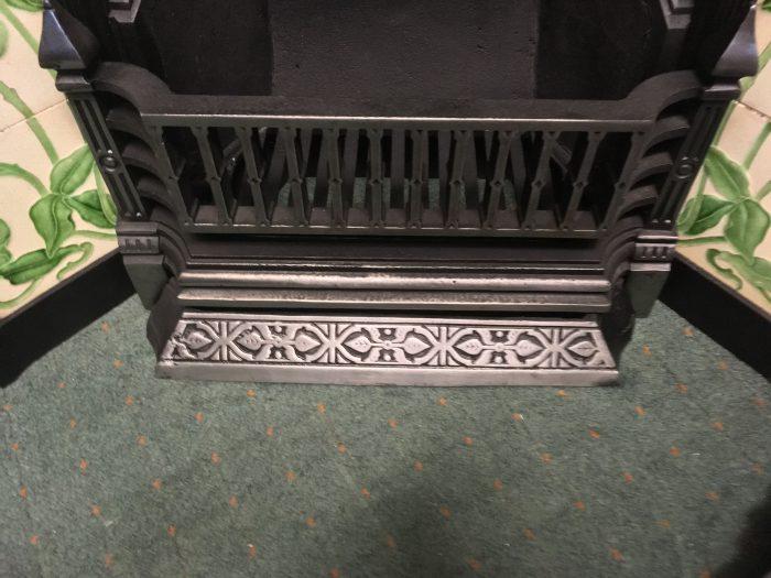 Highlighted Victorian Tiled Insert Bars